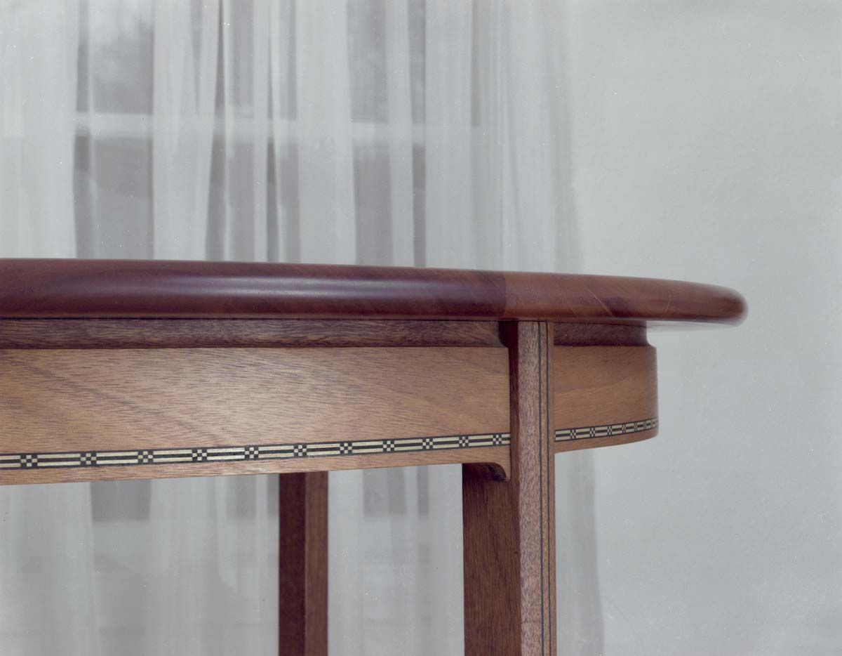 detail of table edge